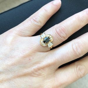 NWT 14K Yellow Gold Dark Blue Oval Sapphire ring